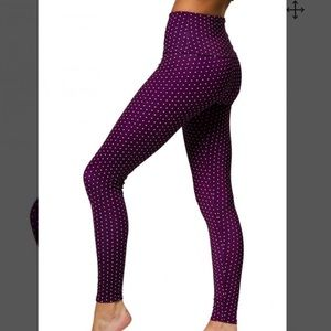 Onzie high rise aubergine dot print purple